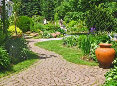 Omaha landscaping omaha ne hardscapes stone retaining for Landscape design omaha