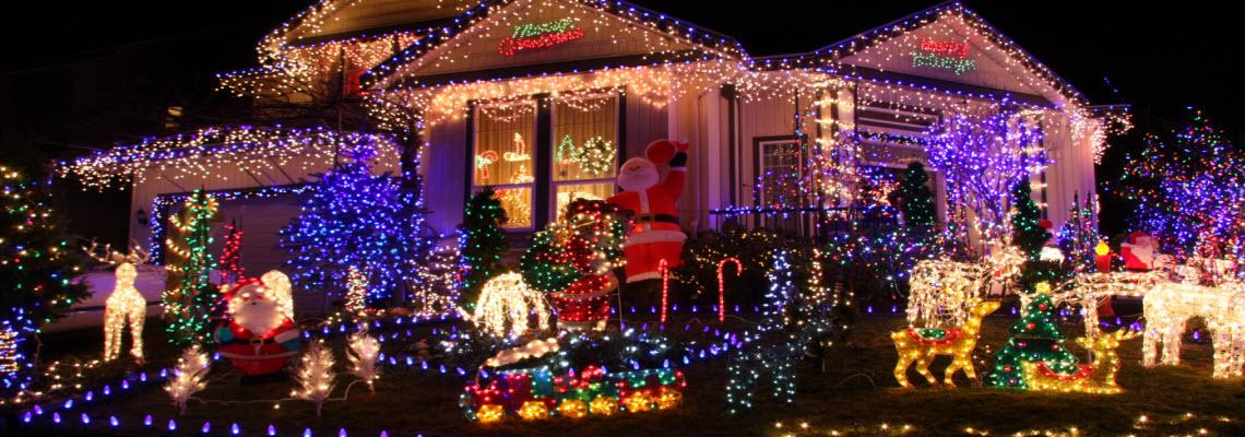 Christmas Lights On Stone Wall : Omaha Landscaping Omaha, NE Hardscapes, Stone, Retaining Walls, Brick, Flagstone, Pavers ...